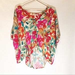 Olivaceous floral cropped top size small